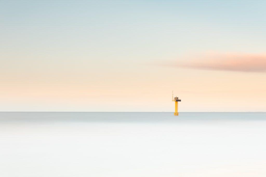 De zee gefotografeerd met het New Style High key effect