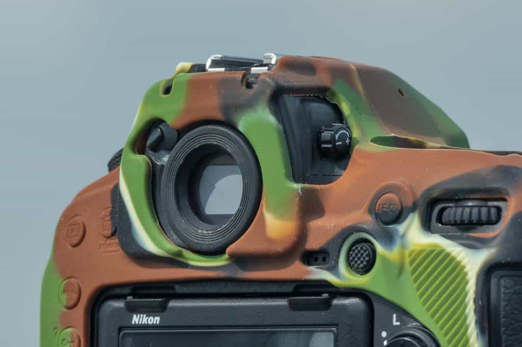 Het oculair en diopter. Beide zijn nodig om handmatig goed te kunnen scherp stellen.
